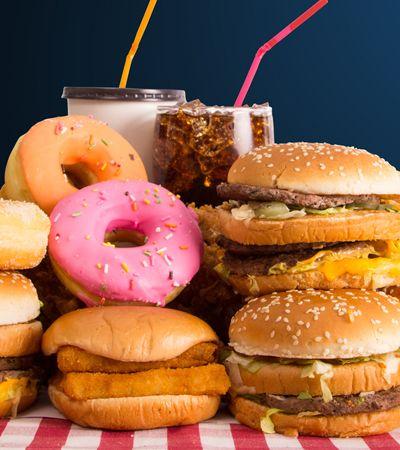 Parar de comer junk food causa abstinência parecida com a das drogas