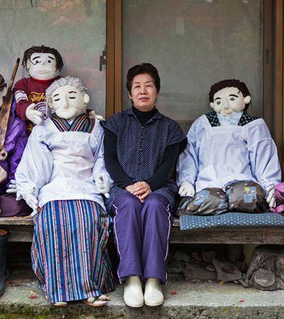 Para combater solidão, japonesa cria bonecos de moradores de seu vilarejo que se foram