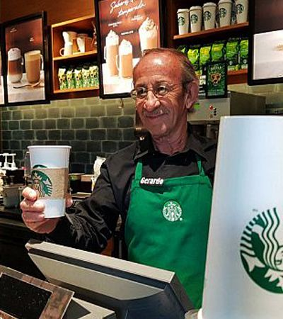 Este Starbucks só emprega funcionários com mais de 50 anos