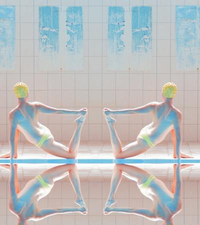 Fotógrafa transforma piscina e nadadoras em arte surrealista com pitada de Wes Anderson