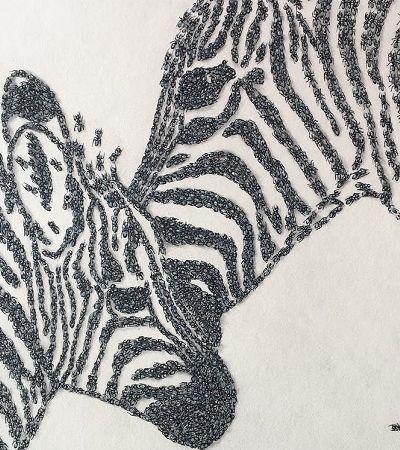 Artista chantageia formigas com açúcar para criar obras de arte inusitadas