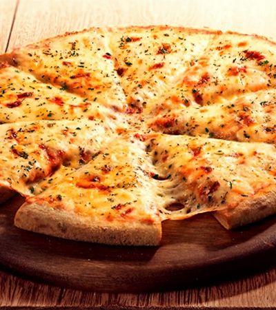 Após ação com tatuagem, Domino's vende pizza de mussarela por metade do preço