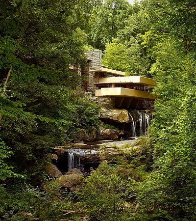 Inovações e tragédias constituem a história desta casa erguida sobre uma cascata