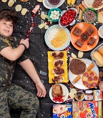 O que crianças brasileiras de diferentes realidades comem em uma semana