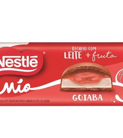 A nova linha de tabletes de chocolate da Nestlé tem recheio de leite e frutas