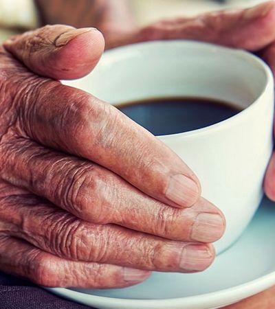 Quanto mais café você toma, mais tempo você vive, aponta estudo