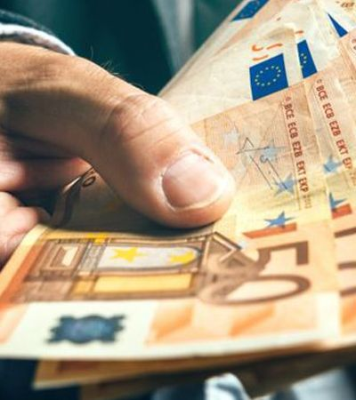 Bancário Robin Hood tirava dinheiro da conta dos ricos para habilitar empréstimos a pobres