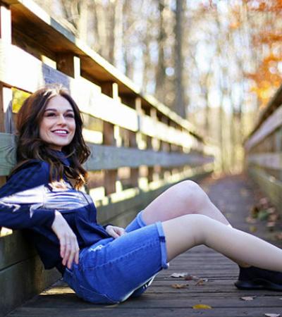 Aos 11, ela teve a perna amputada por conta de um câncer. E virou modelo 20 anos depois