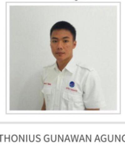 O controlador de voo que perdeu a própria vida para ajudar avião durante terremoto na Indonésia
