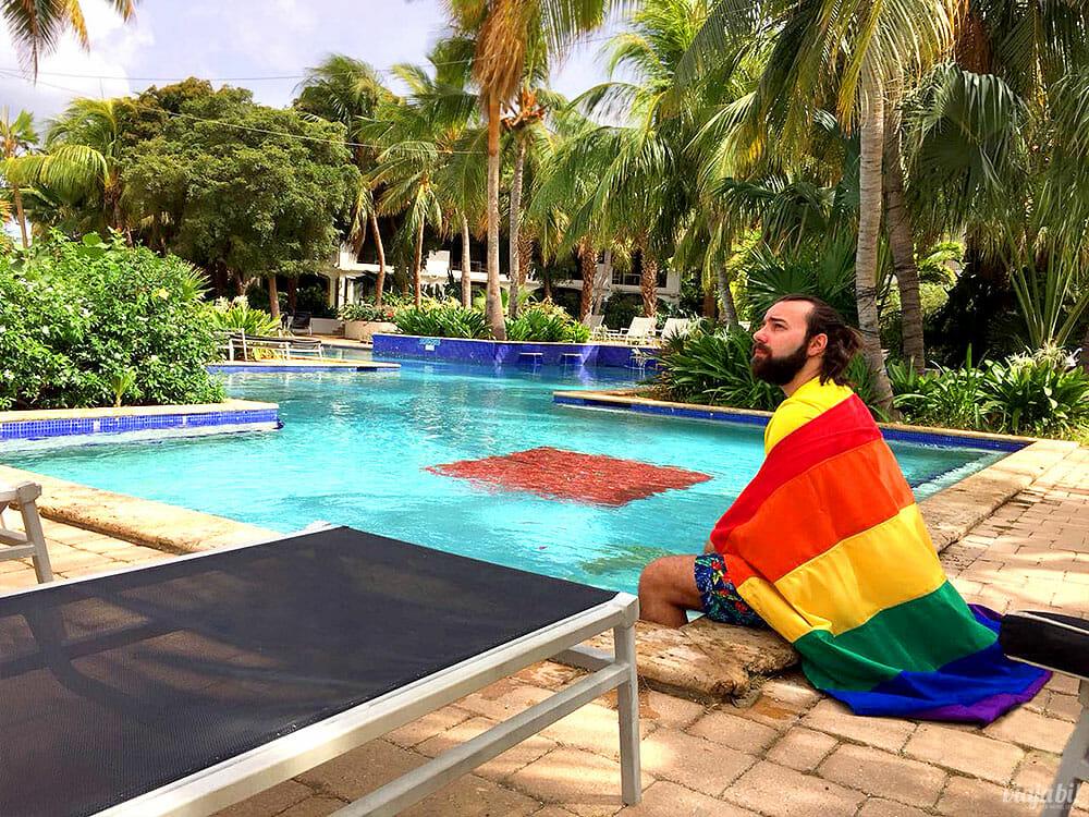 Sendo bem gay no hotel gay em Curaçao - Foto: Rafael Leick/Viaja Bi!