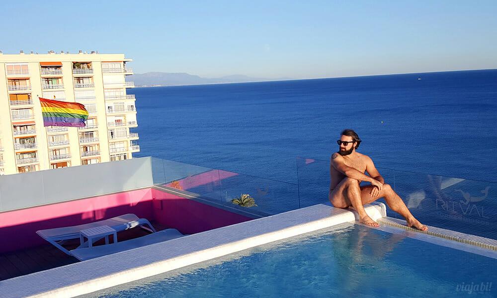 Torremolinos tem o primeiro hotel gay de toda Andaluzia, com piscina e área nudista no rooftop - Foto: Rafael Leick / Viaja Bi!