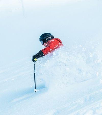 Site procura interessado em viajar para 7 países conhecendo estações de esqui