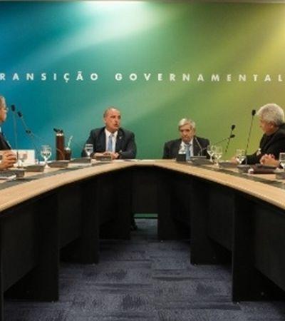 Equipe de transição de Bolsonaro tem 28 homens e apenas 4 mulheres