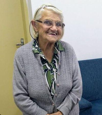 Após TCC escrito à mão, vovó de 88 anos se matricula na pós-graduação