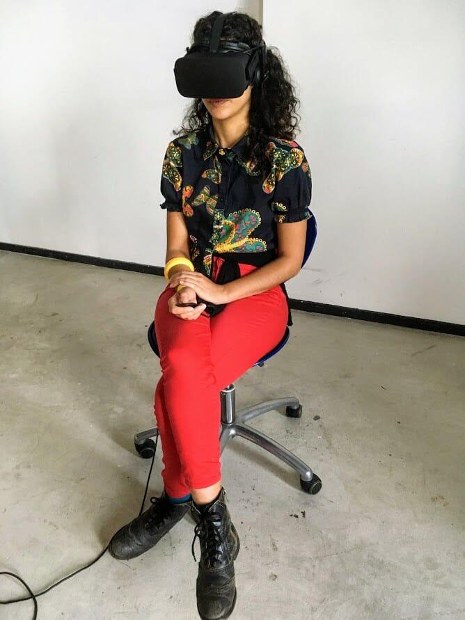 Toda concentrada na minha realidade virtual
