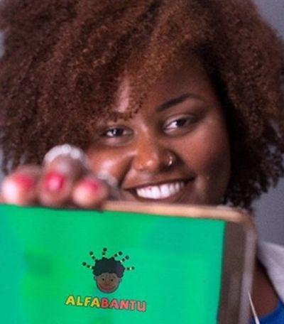 Alfabantu: Professora cria aplicativo para ensinar idioma africano nas salas de aula