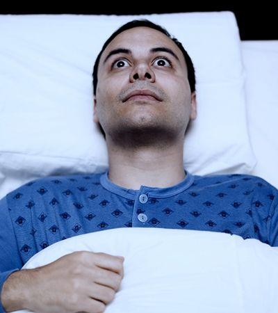 Dormir pouco pode estimular o surgimento da ansiedade, aponta estudo