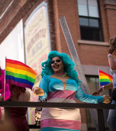 56 marcas assinam manifesto pelos direitos das pessoas trans nos EUA