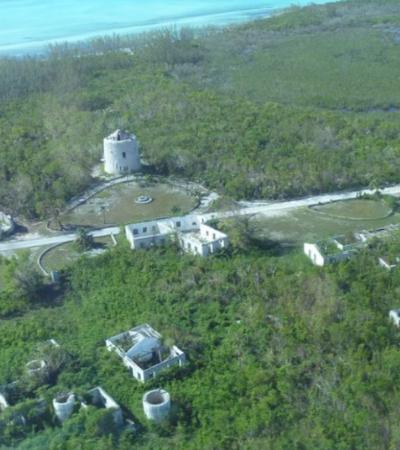 Ilha paradisíaca de uma das 'bad girls' mais famosas do século 20 está à venda nas Bahamas