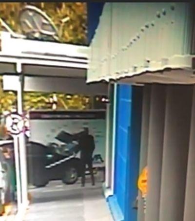 Antes tarde do que nunca: Carrefour se pronuncia sobre morte de cachorro em SP
