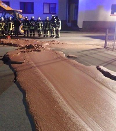 Credo, que delícia! Vazamento em fábrica deixa ruas cobertas de chocolate na Alemanha