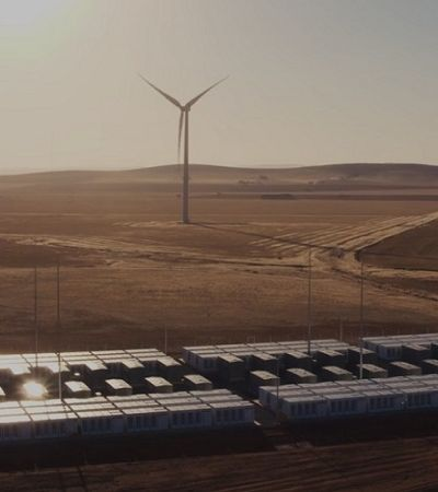 Super bateria Tesla economiza 40 milhões para Austrália em seu primeiro ano
