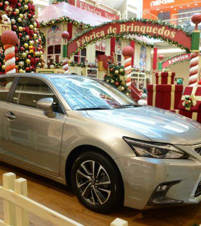 Shopping de SP recheia Natal com Fábrica de Brinquedos, panetones da Kopenhagen, sorteio de carros híbridos e show de luzes