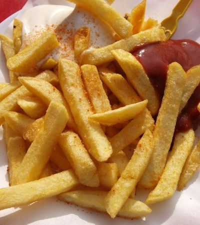 Segundo professor e médico de Harvard, sua porção deveria ter, no máximo, 6 batatas fritas
