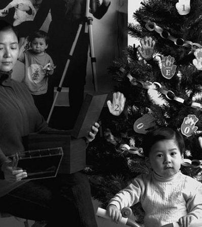 Mãe faz uma foto dentro da outra e cria túnel do tempo do crescimento de seu filho