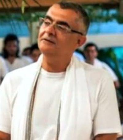 Líder espiritual é acusado de abuso em rituais com ayahuasca e drogas; ele nega