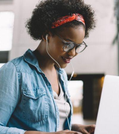 Google cria programa de estágio focado em jovens negros brasileiros