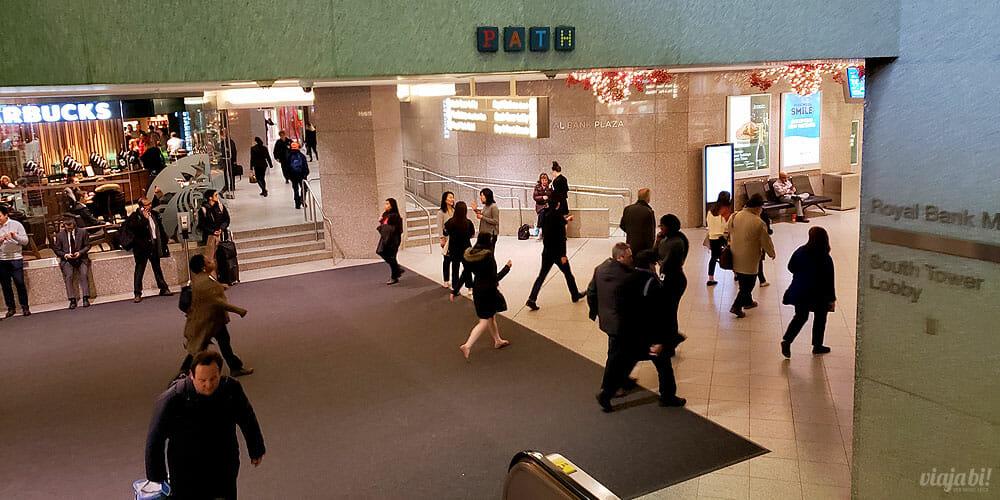 PATH é a cidade subterrânea de Toronto, conectando prédios comerciais e atrações - Foto: Rafael Leick / Viaja Bi!