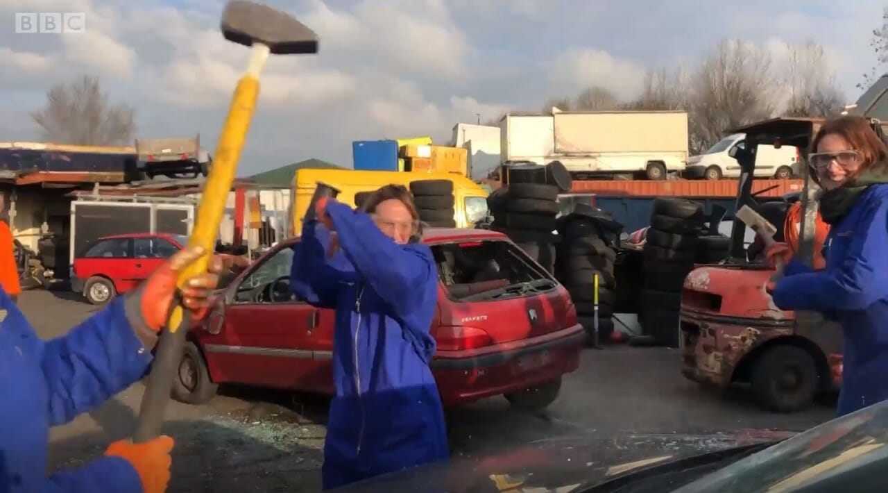 destruir carros estresse 1