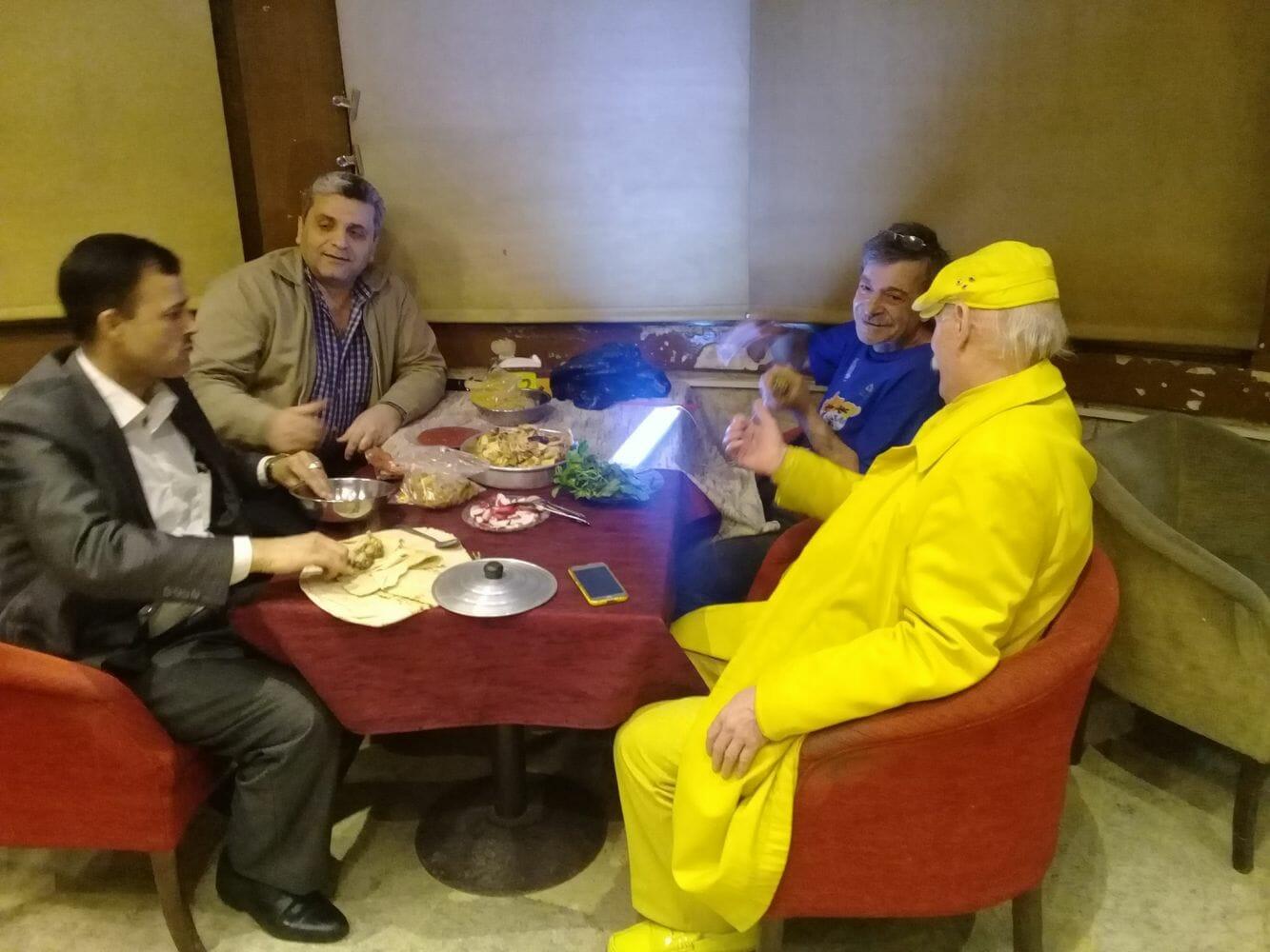 homem amarelo de aleppo 4