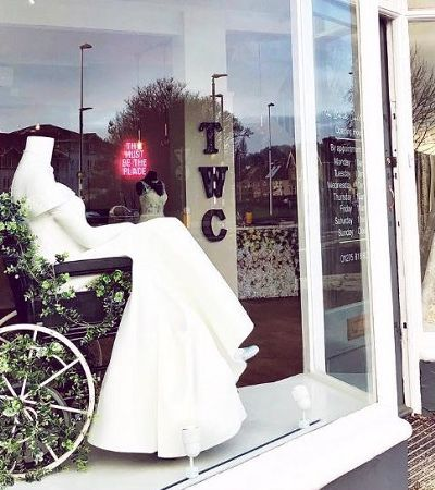 Este vestido de noiva inclusivo para cadeirantes está arrancando aplausos na web