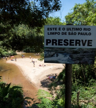Extremo sul de São Paulo tem 2 rios com água limpa e boa para natação