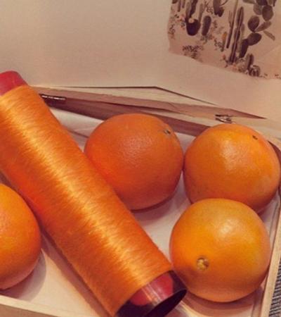 Seda vegana feito do bagaço da laranja possibilita tecidos leves e sustentáveis