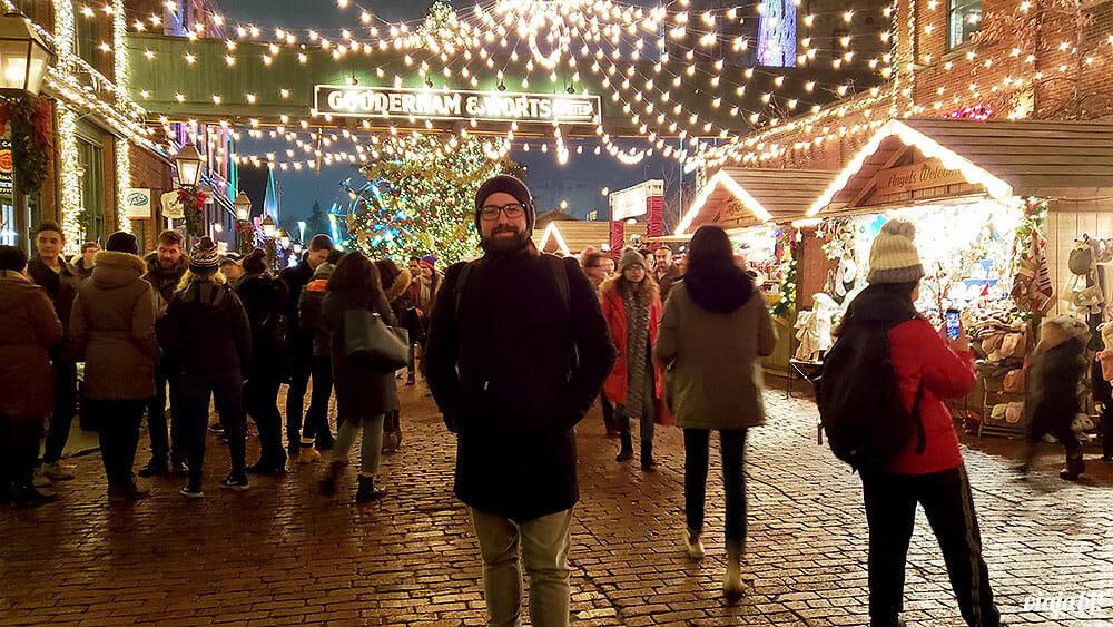 Toronto Christmas Market é uma das principais atrações de Toronto no inverno - Foto: Rafael Leick / Viaja Bi!