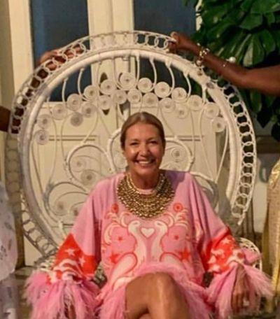 Como a representação da cadeira torna a festa da Vogue ainda mais racista