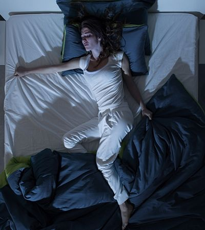 5 motivos que podem estar por trás do seu suor enquanto dorme