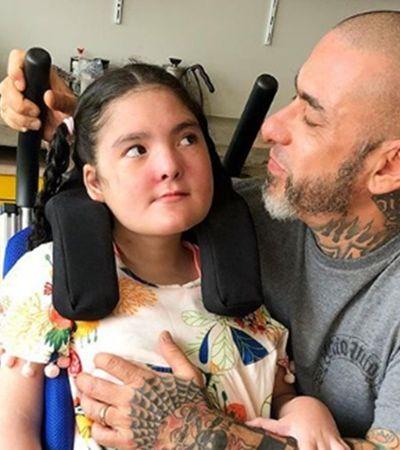 Fogaça se emociona ao falar dos primeiros passos da filha com síndrome rara