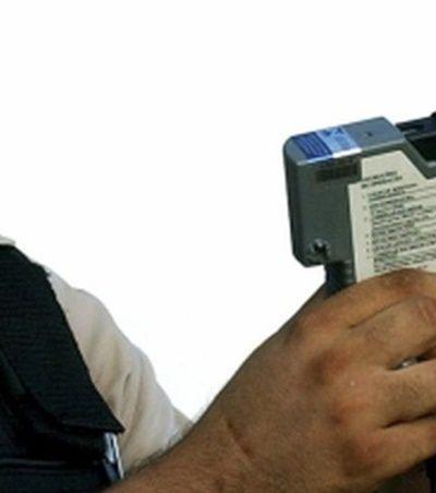 Governo vai adotar 'drogômetro' que detecta maconha, ecstasy e outras drogas no trânsito