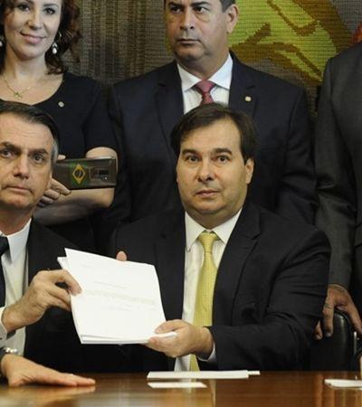 Aposentado aos 33, Bolsonaro recebe uma fortuna em aposentadorias acumuladas