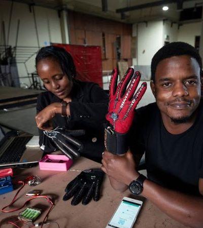 Queniano cria luvas que convertem linguagem de sinais em áudio em tempo real