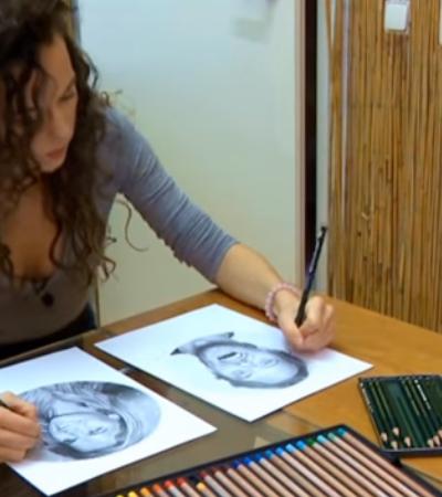 Artista ambidestra desenha retratos hiper realistas com as duas mãos ao mesmo tempo