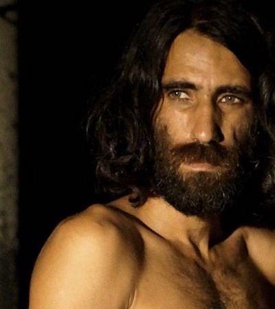 Refugiado ganha maior prêmio de literatura da Austrália com livro escrito pelo WhatsApp