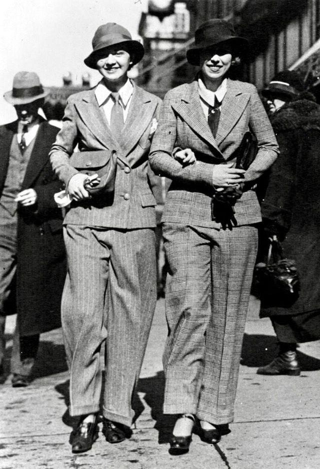 mulheres felizes de calça 15