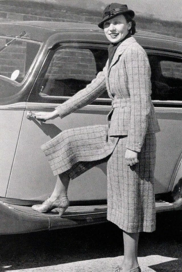 mulheres felizes de calça 19