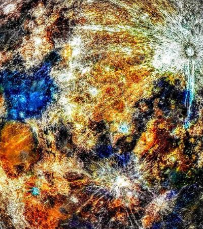 150 mil fotografias foram usadas para mostrar as reais cores da lua