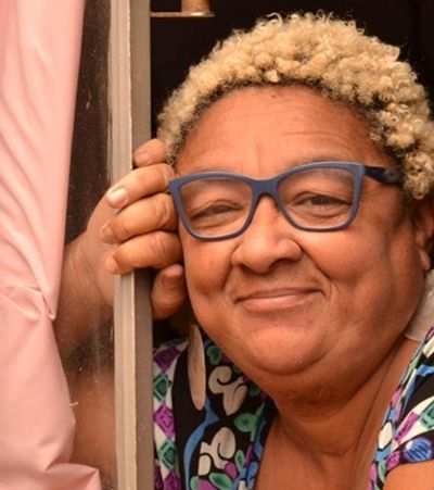Mãe de Emicida e Fióti, Dona Jacira narra cura pela escrita e ancestralidade